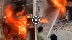 Video: ਜਲੰਧਰ ਦੇ ਮਾਡਲ ਟਾਊਨ ਸਥਿਤ ਸ਼ੋਅਰੂਮ 'ਚ ਲੱਗੀ ਭਿਆਨਕ ਅੱਗ, ਲੱਖਾਂ ਦਾ ਨੁਕਸਾਨ