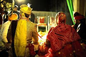 ਕੋਰੋਨਾ ਸੰਕਟ: ਯੂਪੀ 'ਚ ਡੀ.ਜੇ. ਤੇ ਬੈਂਡ 'ਤੇ ਰੋਕ, ਵਿਆਹ 'ਚ 100 ਤੋਂ ਵਧੇਰੇ ਲੋਕਾਂ ਦੇ ਇਕੱਠਾ ਹੋਣ 'ਤੇ ਰੋਕ