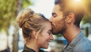 Kiss Day :ਕੈਲਰੀ ਬਰਨ ਤੋਂ ਇਲਾਵਾ ਸਰੀਰ ਨੂੰ ਬੇਮਿਸਾਲ ਫਾਇਦੇ ਦਿੰਦੀ ਹੈ ਇਕ 'Kiss'