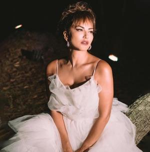 Sunny Leone ਨੇ ਬ੍ਰਾਈਡਲ ਆਊਟਫਿੱਟ 'ਚ ਕਰਾਇਆ ਫੋਟੋਸ਼ੂਟ, ਨਾਲ ਲਿਖਿਆ-Marry me