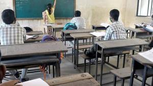 ਅੱਜ ਤੋਂ ਪੰਜਾਬ 'ਚ ਖੁੱਲ੍ਹੇ ਸਕੂਲ, ਪਹਿਲੇ ਦਿਨ ਵਿਦਿਆਰਥੀਆਂ ਦੀ ਹਾਜ਼ਰੀ ਰਹੀ ਨਾਂ ਮਾਤਰ