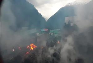 Kullu Malana Village Fire: ਕੁੱਲੂ ਦੇ ਮਲਾਨਾ ਪਿੰਡ 'ਚ ਲੱਗੀ ਅੱਗ, ਦਰਜਨ ਤੋਂ ਵੱਧ ਘਰ ਸੜ ਕੇ ਸੁਆਹ, ਇੱਕ ਜ਼ਖ਼ਮੀ